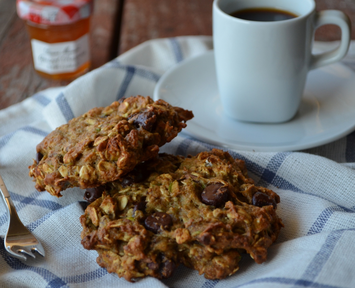 Katie Bakes: Pistachio and Avocado Oatmeal Cookies